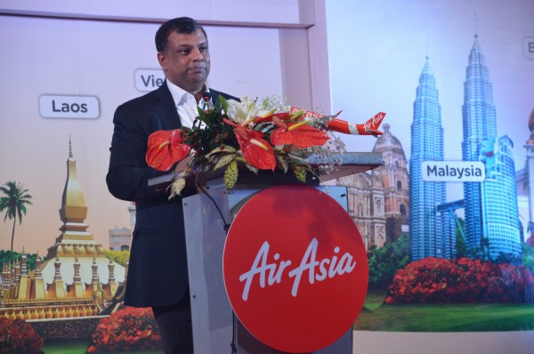 Tony Fernandes welcoming the participants from Asean countries