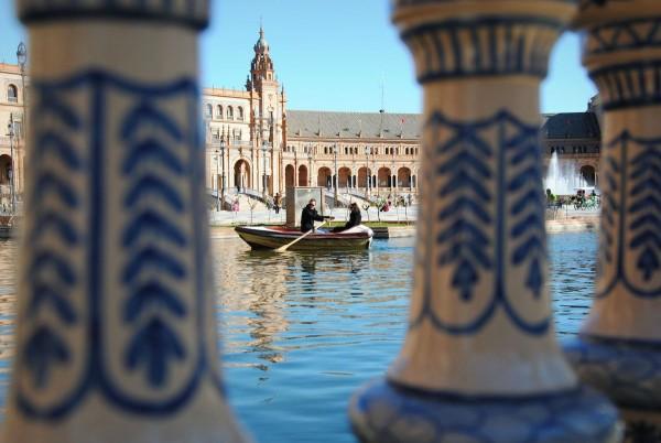 Romantic Boating in Plaza de España