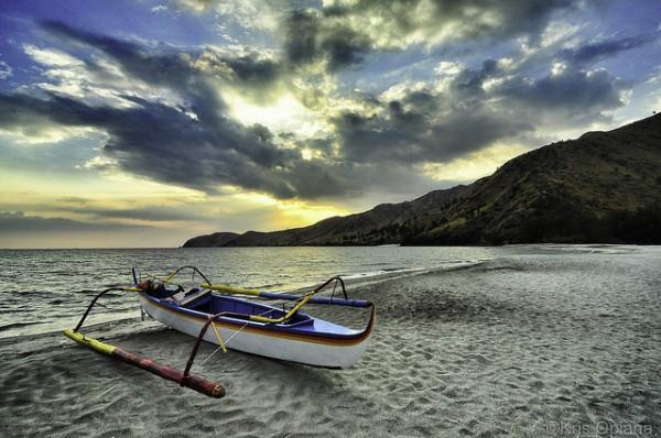 Sunset in Nagsasa Cove photo by Kris Opiana via Flickr