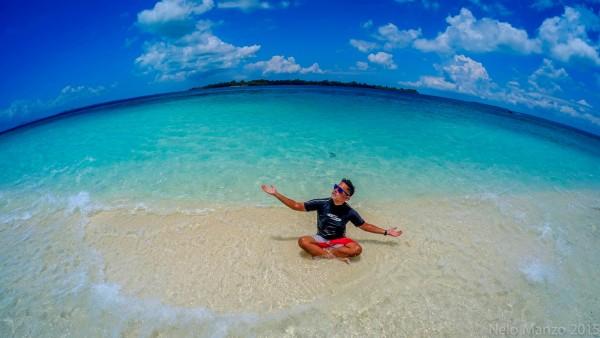 Travel Photographer Nelo Manzo - worshiping the sun in Onuk Island Palawan