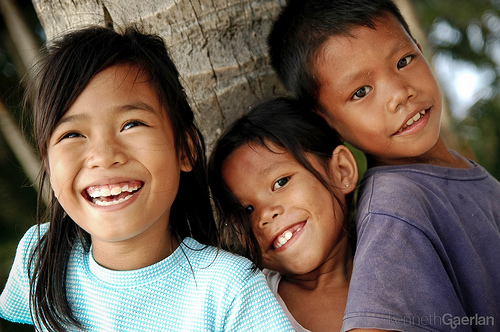 Boracay Kids photo by Kenneth Gaerlan via Flickr