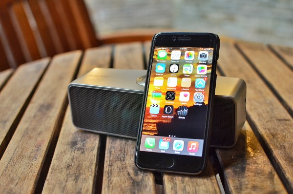 LG P7 Music Flow Bluetooth speaker
