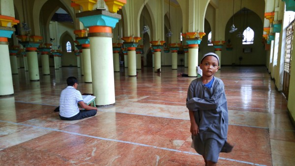 A Kid inside Golden Mosque in Quiapo