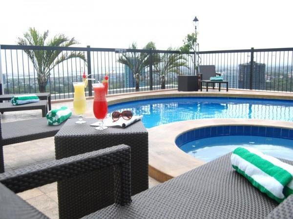 Parque Espana Residence Hotel Pool