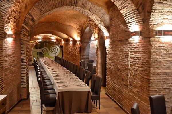 Inside Grupo Yllera Restaurante