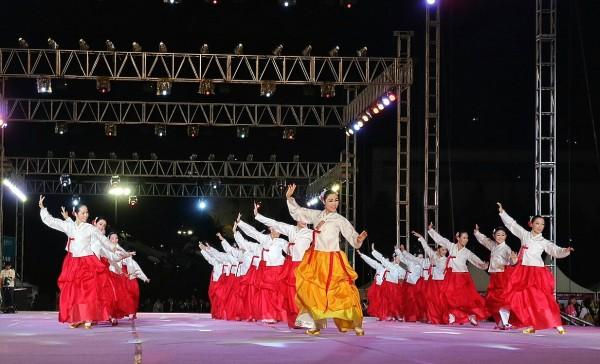 Korean Performers at Wonju Dynamic Dancing Carnival 2015