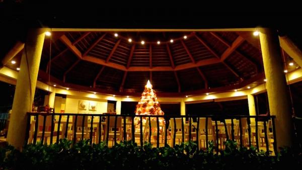 The octagonal Pavilion Restaurant