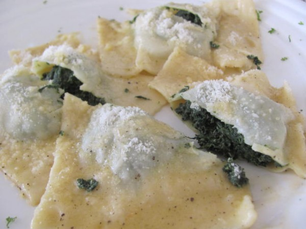 Ravioloni with Spinach and Ricotta