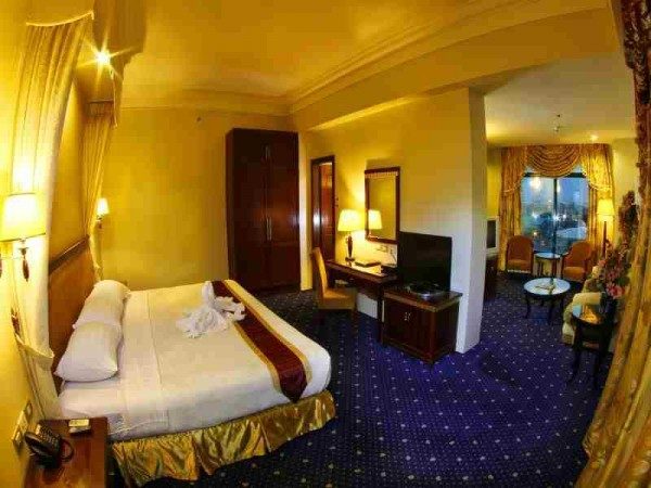 Sarrosa International Hotel and Residential Suites