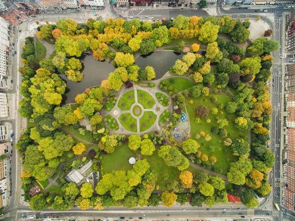 "St Stephen's Green Aerial View ""Park in Dublin St Stephen's Green aerial by dronepicr - Park in Dublin St Stephen's Green aerial. Licensed under CC BY 2.0 via Commons"