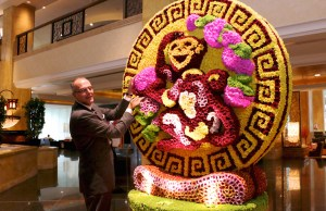 Manfred Weber, Area General Manager is pleased to show off this magnificent floral Monkey masterpiece in the Main Lobby to welcome the Year of the Monkey. A total of 16,888 chrysanthemums in various colours were used to depict a Monkey holding the peach of eternal life. This gigantic three-dimensional centrepiece was put together by the hotel's very own team of 13 artists and florists over two weeks.