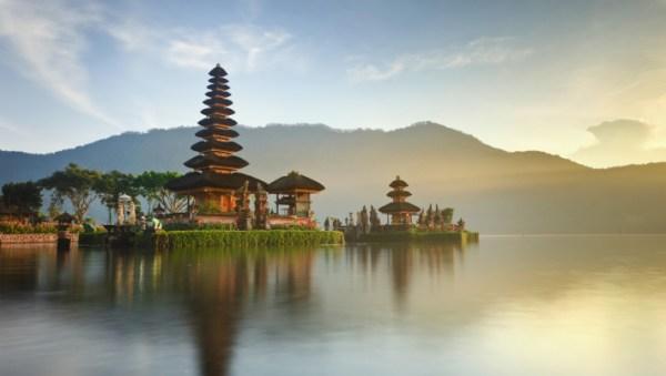 Ulun Danu temple at sunrise, Bali