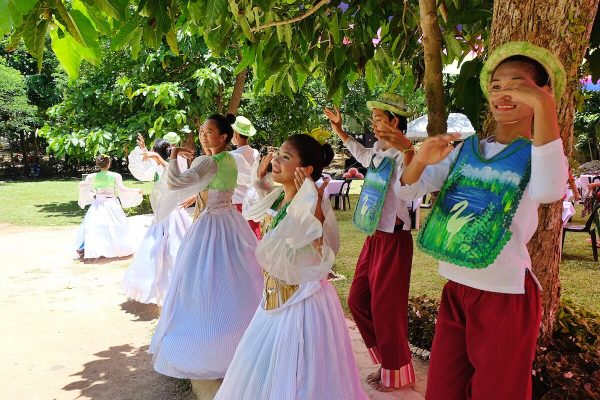 Local Performers at Danao Lake