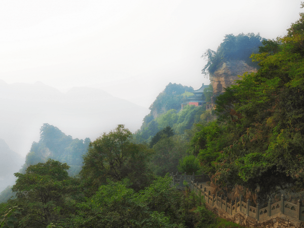 hiking up the trails of Wudang mountain requires a lot of stamina Photo credit: Bam Bondoc (@bambondoc)