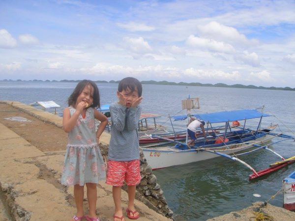 The kids are obviously excited to venture to the Hundred Islands