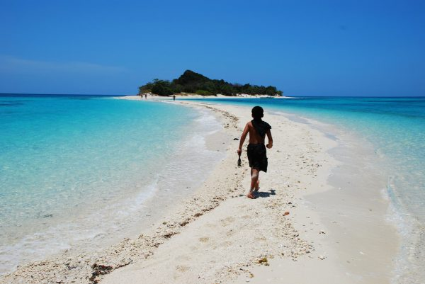 White Sand Beach in Sibuyan Romblon photo by Oliver Gonzales