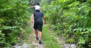 On the way to Mt. Puting Bato peak