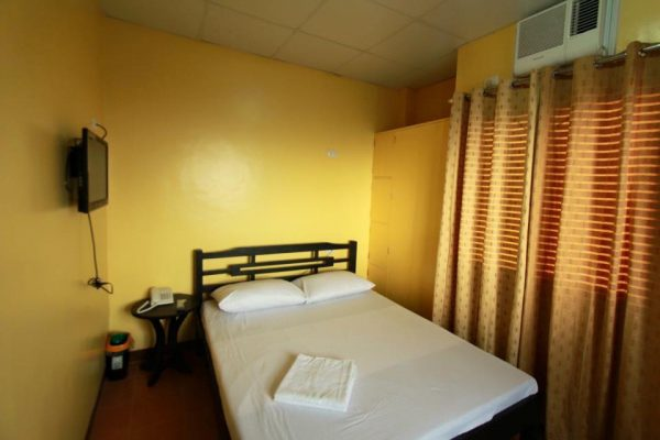 D-Zone Backpackers Inn Tagaytay City