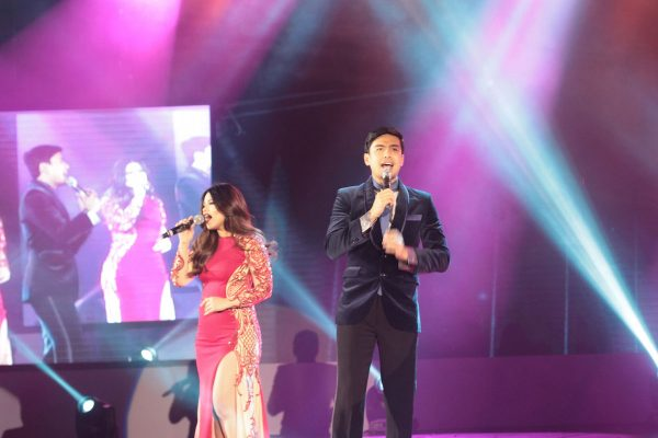 L-R: Denise Laurel, Christian Bautista