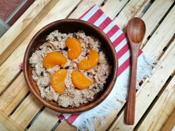 Oat Meal with Mandarin, raisins and non fat milk