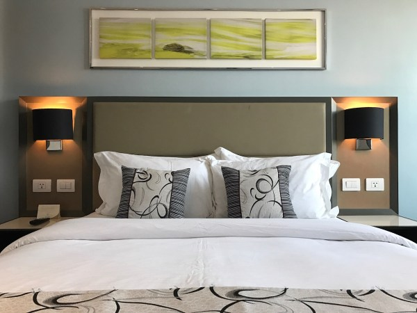 Belmont Hotel Manila Bedroom
