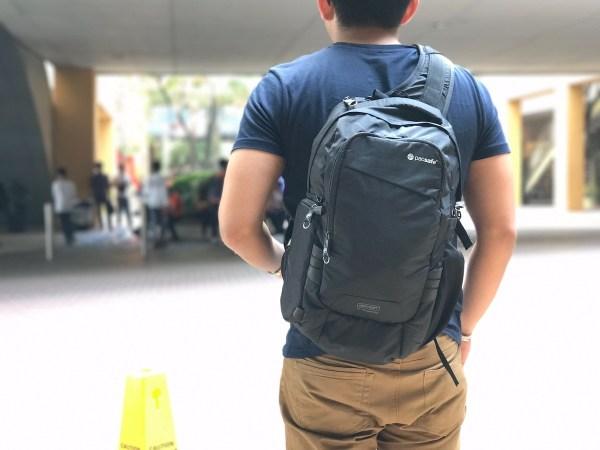 Pacsafe Camsafe Slingbag Gadgets for Travelers