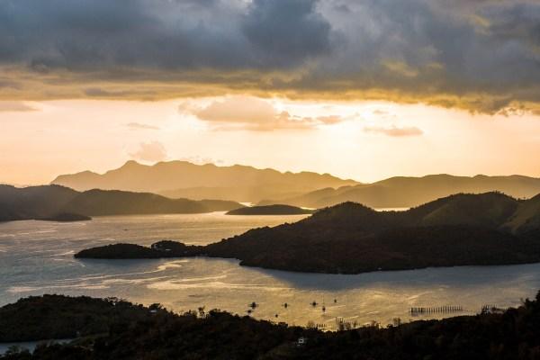 Sunset in Coron Palawan - best luxury resorts in coron palawan