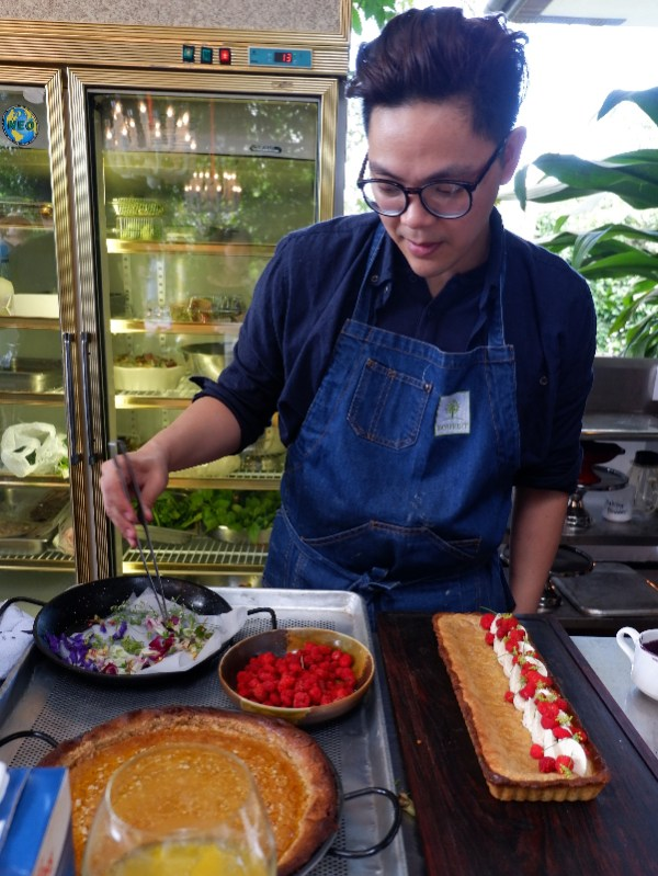 Madrid Fusion Manila 2016 starring chef Miko Aspiras of Le Petit Souffle whips up a cashew nut tart with fresh rosella