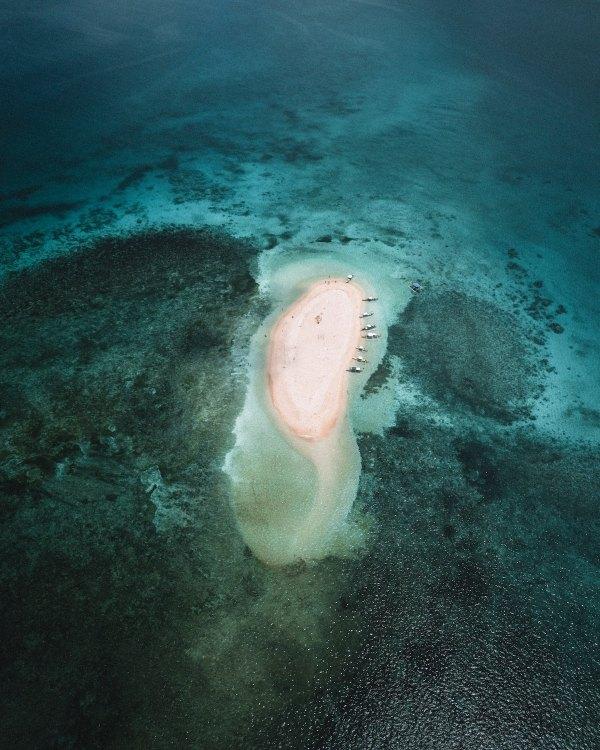 Naked Island Siargao photo by Michael Louie via Unsplash