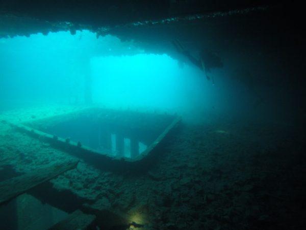 Shipwreck diving in Coron Palawan