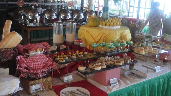 Sumptuous breakfast buffet