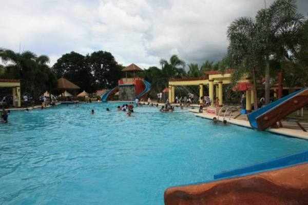 Hagnaya Beach Resort Pool