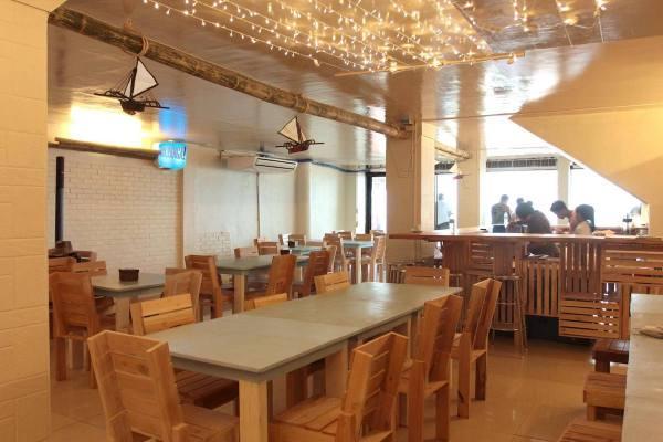 Hoy! Panga's relaxing dining area