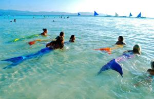 Mermaid Swimming taken from Philippine Mermaid Swimming Academy fb page