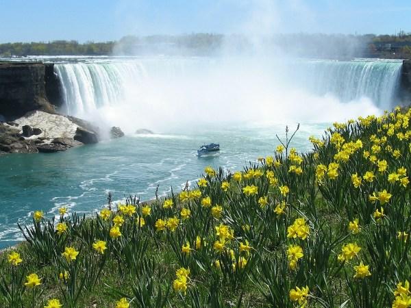 Niagara Falls - Fall in Love in Canada