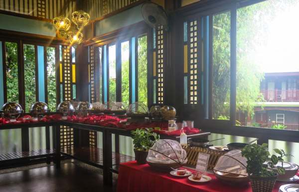 Sophia's Garden Resort Breakfast at El Comidor