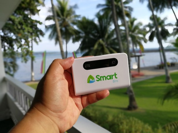 Smart Bro LTE 2-in-1 Pocket WiFi with built-in Powerbank