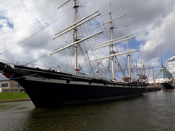 The Seute Deern, a restaurant-ship docked at the German Maritime Museum