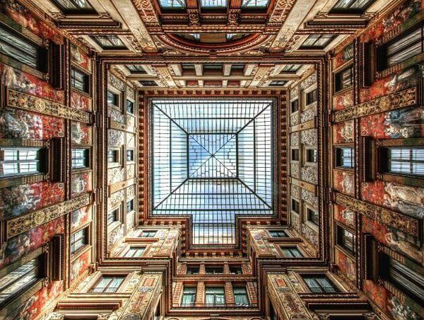 A view of ceiling of Sciarra Gallery