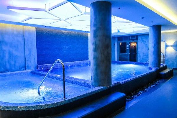 Hot and Cold Bath Spa – Marina Bay spa and lifestyle club