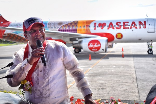 (credit to Chuck Dreyfus) Air Asia Group CEO Tony Fernandes