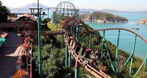 Mine Train rollercoaster with Samsung Gear VR
