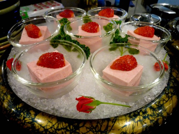 KITSHO Strawberry Mousse