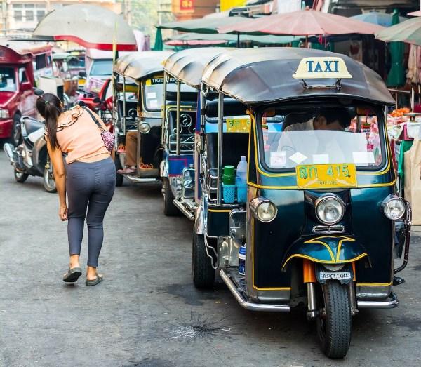 Tuktuk in Warorot Market