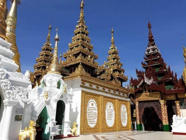Beautiful Asian architecture of Shwedagon Pagoda