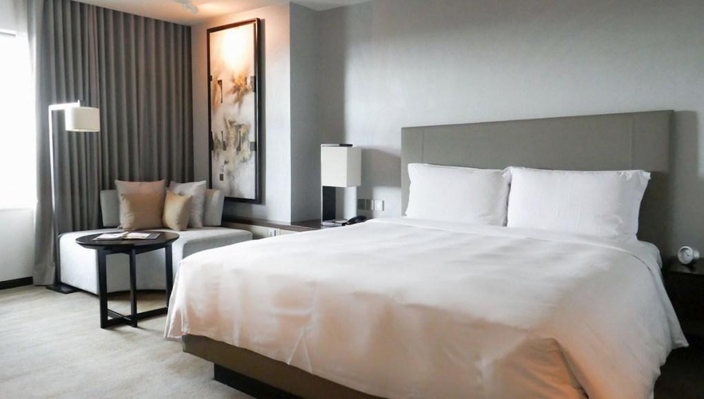 New World Hotel Makati Deluxe Room