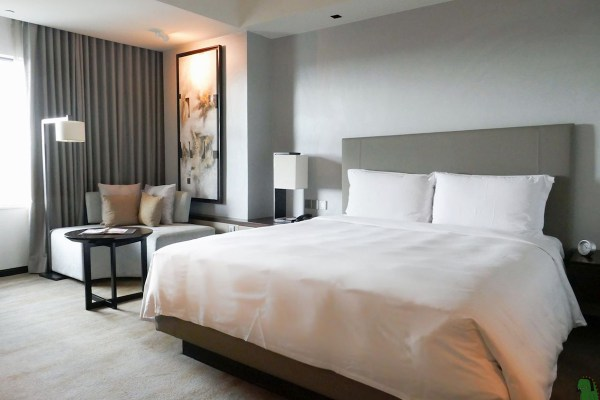 New World Hotel Makati Deluxe Room