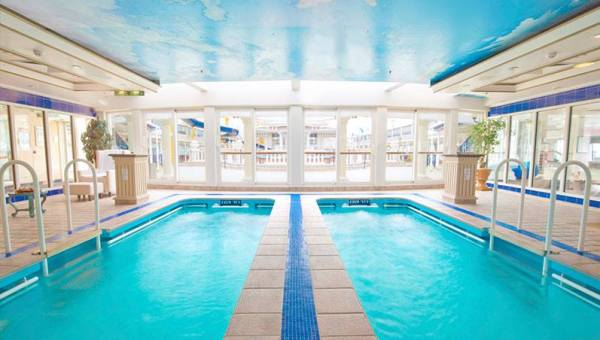 Indoor pool at the SuperStar Virgo Cruises for those who wanted to relax after roaming around the ship. Photo taken via official website.