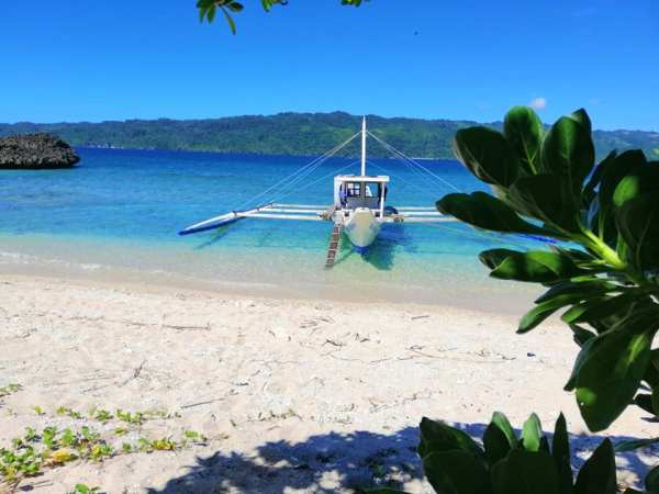 Budget Travel Guide to Bulalacao photo by Southdrive Beach Resort