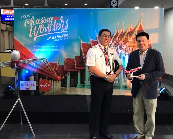 AirAsia Philippines CEO Capt. Dexter Comendador and Tourism Authority of Thailand Director Kajorndet Apichartrakul